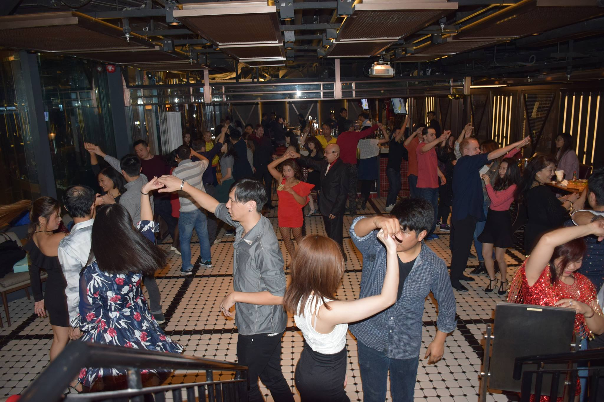 GET YOUR PARTY GOING WITH EVENT DANCE LESSON