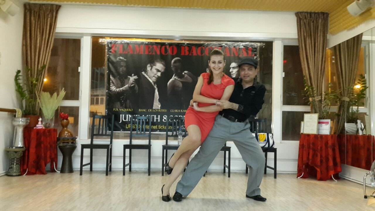 PRIVATE 1ON1 / GROUP SALSA & BACHATA CLASSES